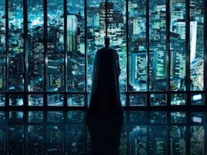 Batman hľadí na mesto