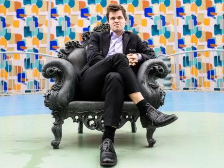 Magnus sediaci na tróne